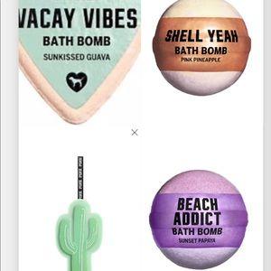Pink VS bath bombs and cactus 🌵 loofah bundle NIP
